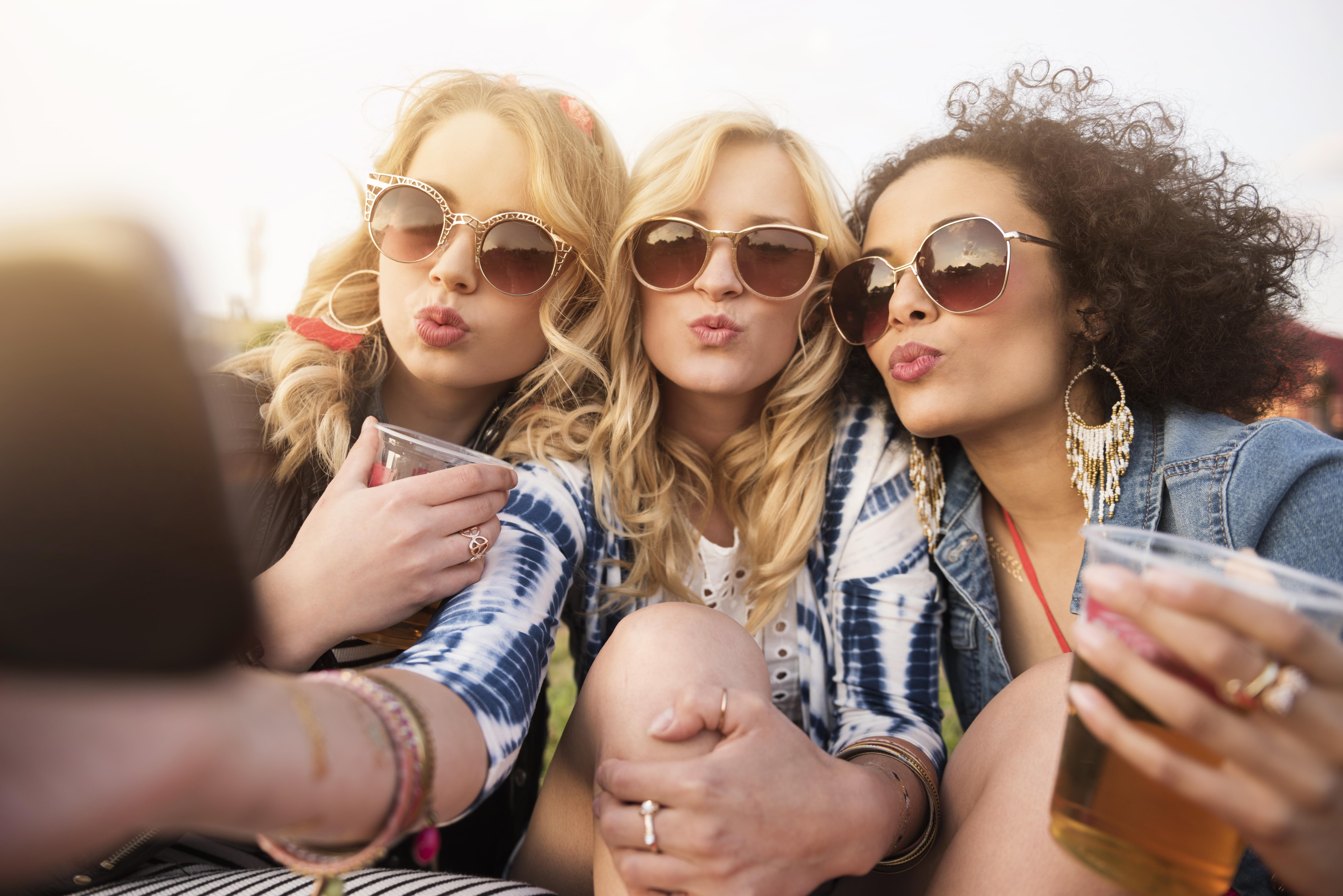 Активный отдых в солнцезащитных очках