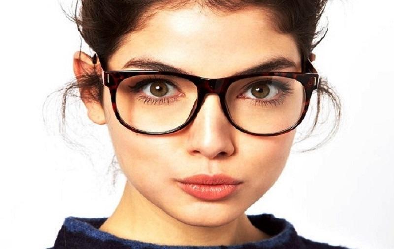 Секреты выбора оправы для очков с диоптриями