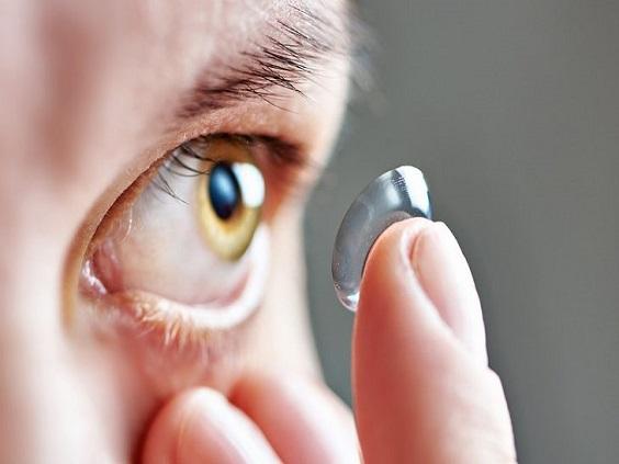 Ношение контактных линз зимой: где правда, а где миф